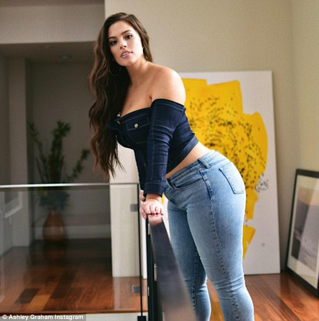 Ashley Graham Shows off Curvy Denim Look
