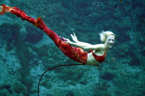 weeki-wachee-mermaid-1