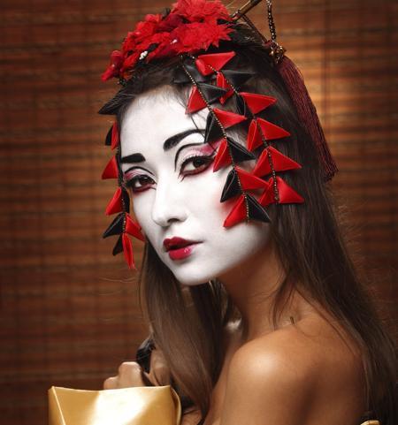 450-10401568-modern-geisha-look