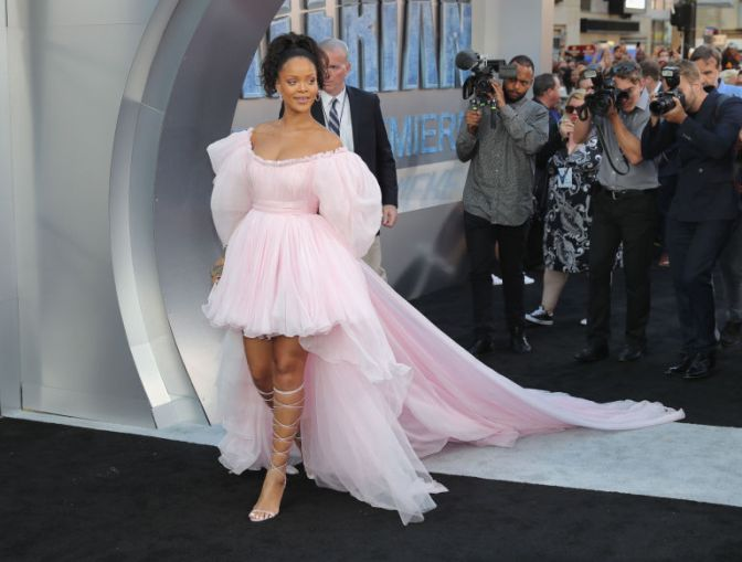 Rihanna's Millennial Pink Makeup Will Be Your New Summer Style Inspiration