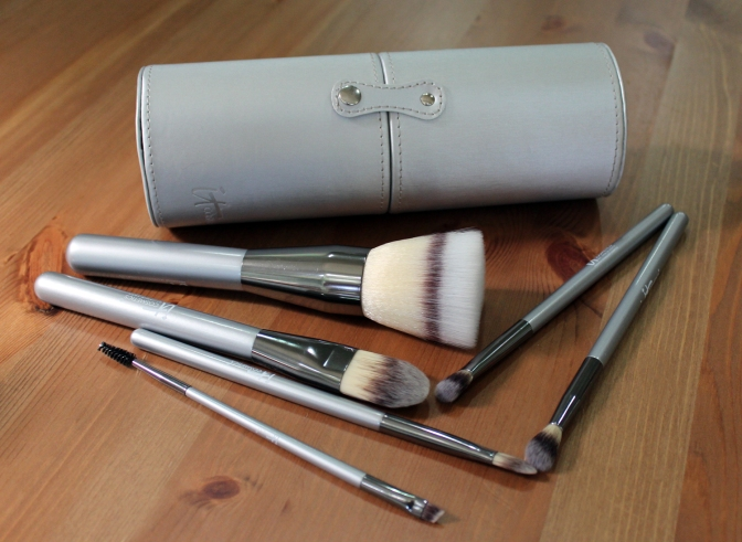 Why You Need Vegan Makeup Brushes in Your Kit
