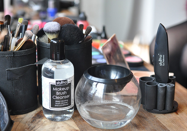 Does putting your makeup brushes in the washing machine work?