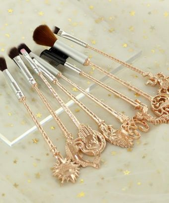 These Game Of Thrones Makeup Brushes Will Make You Feel Like A True Westerosi