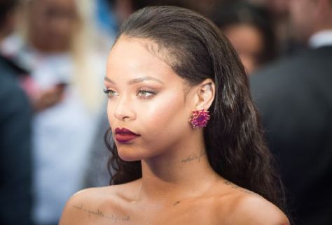 18079341_rihanna-confirmed-that-fenty-beauty_eb229fc7_m